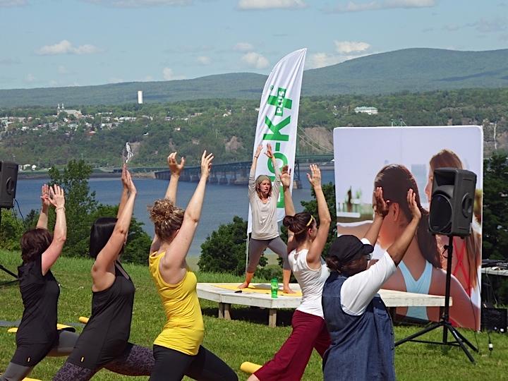 Yoga au verger 7 juin 2014